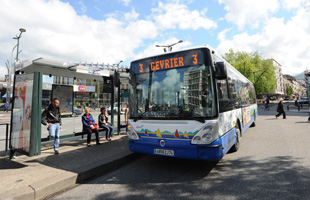Bus standard au pôle d'échanges
