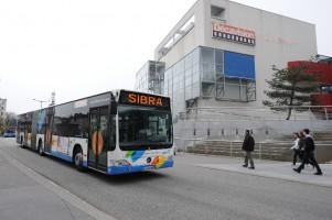 SIBRA - Bus articulé devant le Décavision